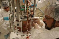 Physicist Jeff Martoff working in a lab